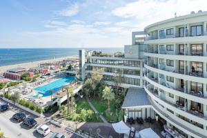 Hotel Le Palme - Premier Resort, Отели  Морской Милан - big - 1