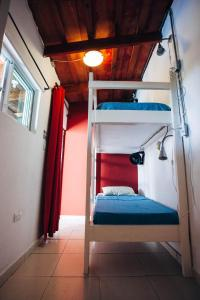 Twin Bunk Bed Room with Private Bathroom KualaLampur Island Life Hostel