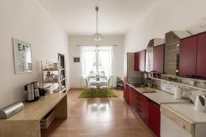 Cozy Room near Ostrava Center, Проживание в семье  Острава - big - 13