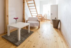 Cozy Room near Ostrava Center, Проживание в семье  Острава - big - 1