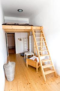 Cozy Room near Ostrava Center, Проживание в семье  Острава - big - 10