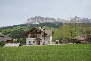 Appartments Ciaminades - AbcAlberghi.com