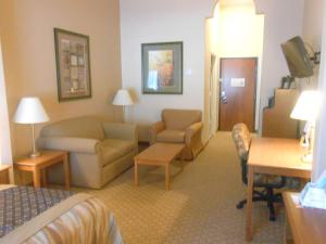 Best Western Plus New Caney Inn & Suites - Shepherd