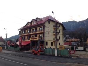 Hotel Maximilian - Busteni