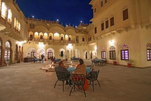 Alsisar Mahal- Heritage Hotel, Отели  Alsīsar - big - 98