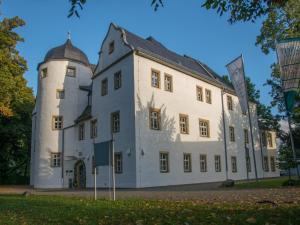 Schlosshotel Eyba - Döschnitz