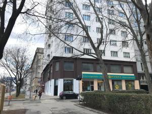 Apartment Domino