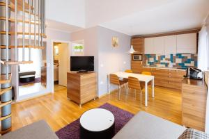 Maline Apartments