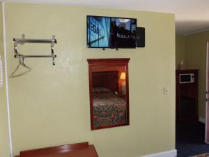 Budget ZZZZ Motel, Motels  Cleveland - big - 58