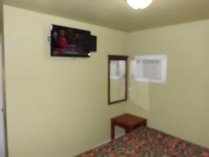 Budget ZZZZ Motel, Motels  Cleveland - big - 4