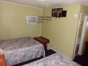 Budget ZZZZ Motel, Motels  Cleveland - big - 23