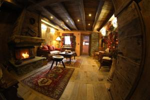 La Luge D'Antan Chambres d'Hôtes - Accommodation - Brusson
