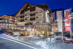 Alpen-Herz Romantik & Spa - Adults Only, Hotely  Ladis - big - 39