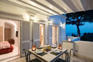 Villa Bouganvillae, Villas  Capri - big - 27