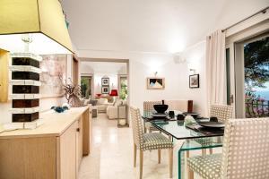 Villa Bouganvillae, Villas  Capri - big - 28