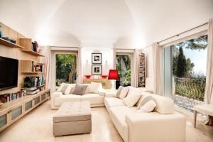 Villa Bouganvillae, Villas  Capri - big - 31