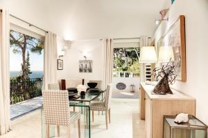 Villa Bouganvillae, Villas  Capri - big - 33