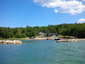 . Bayshore Cottages