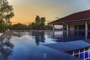 Saranrom Resort - Ban Na Pa