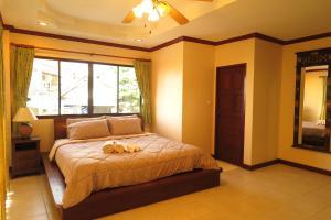 Thumdee House - Patong Beach