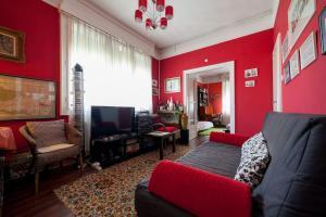 Lonyay Street Apartment