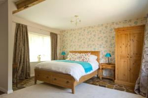 Magpies Lodge, Bed and breakfasts  Slinfold - big - 37