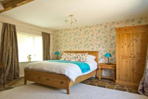 Magpies Lodge, Bed and breakfasts  Slinfold - big - 32