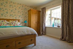 Magpies Lodge, Bed and breakfasts  Slinfold - big - 35