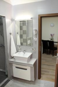 Apartament Dany, Апартаменты  Сибиу - big - 11