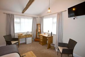 Magpies Lodge, Bed and breakfasts  Slinfold - big - 42