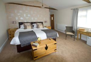 Magpies Lodge, Bed and breakfasts  Slinfold - big - 14