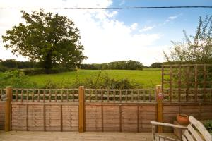 Magpies Lodge, Bed and breakfasts  Slinfold - big - 20