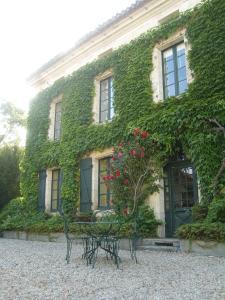 Location gîte, chambres d'hotes L'Appartement, Manoir de Longeveau dans le département Charente 16