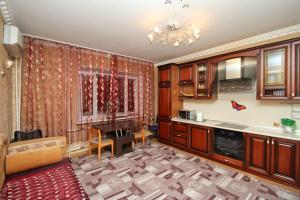 Two-Bedroom on Lenina 54
