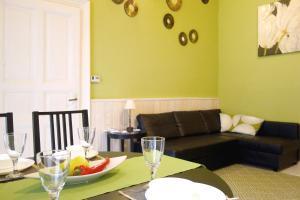 Vivid Rozsa Apartment - Budapest