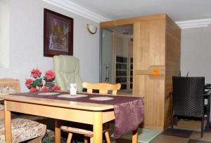Villa Anastazis - Penzion Eden, Guest houses  Karlovy Vary - big - 139