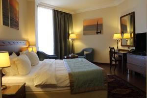 Golden Tulip Jiyeh Marina Resort, Beirut | FROM $80 - SAVE