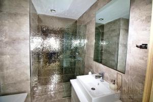 MyHouse N5 Suites, Апартаменты  Эсеньюрт - big - 17