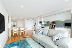 BALMAIN / ROZELLE LUXURY 2 BED APARTMENT (DAR7) - Woolwick