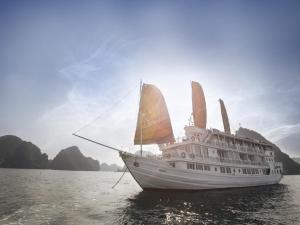 Aphrodite Cruise, Халонг