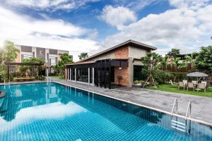 Cresco Hotel Buriram - Ban Khok Wat