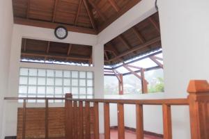 Pele Guesthouse, Penzióny  Bandung - big - 39