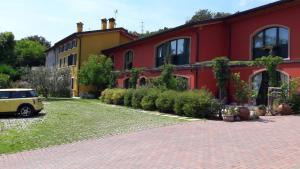 Accommodation in Pastrengo
