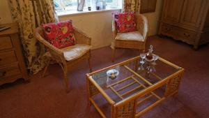 Magpies Lodge, Bed and breakfasts  Slinfold - big - 3