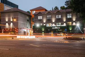 BLVD Hotel & Suites - Walking Distance to Hollywood Walk of Fame - Los Angeles