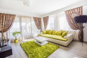 Seasons Apartment, Apartments  Braşov - big - 1