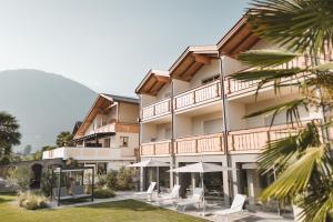 Tiefenbrunn Gardensuites & Breakfast - Hotel - Lana