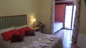 Pousada Canto do Lago, Гостевые дома  Пиракая - big - 47