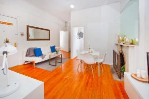 Central Two Bedroom Apartment In Times Square - New York