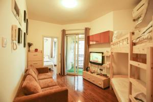 . Cozy Home IU Apartment (airport)